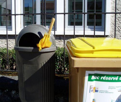 parapluie poubelle.JPG